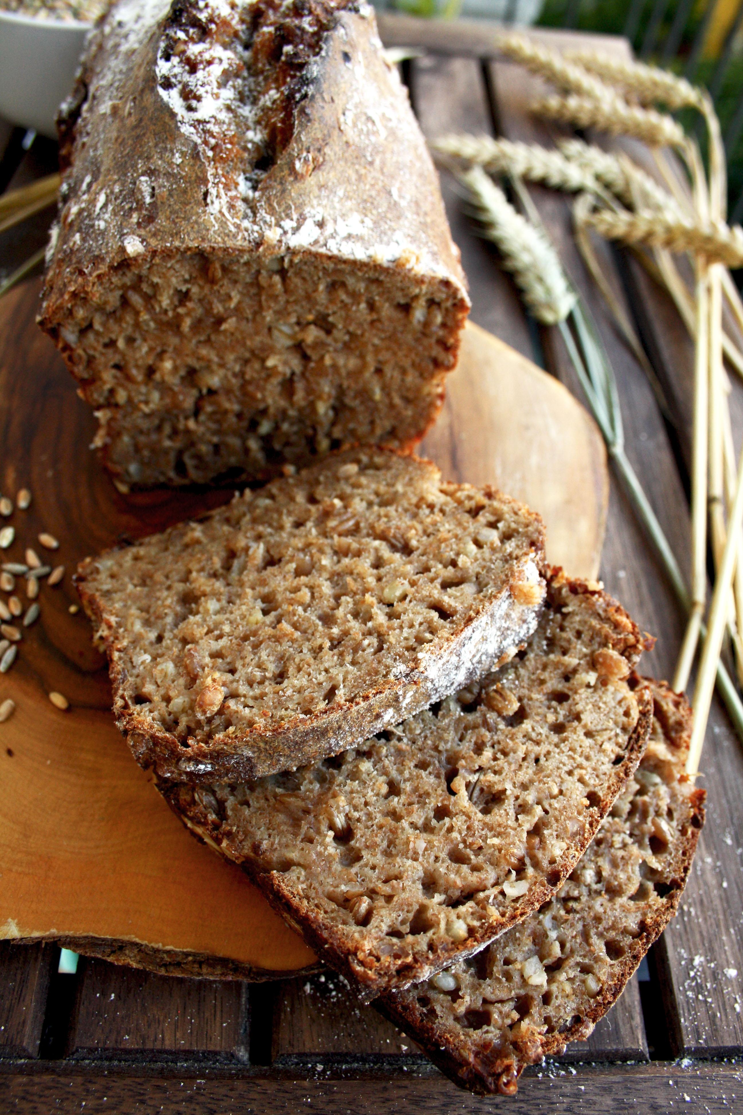 Healthy Natual Looking 19 Year Old Girl Portrait Stock: Whole Grain Spelt Bread • Happy Kitchen.Rocks