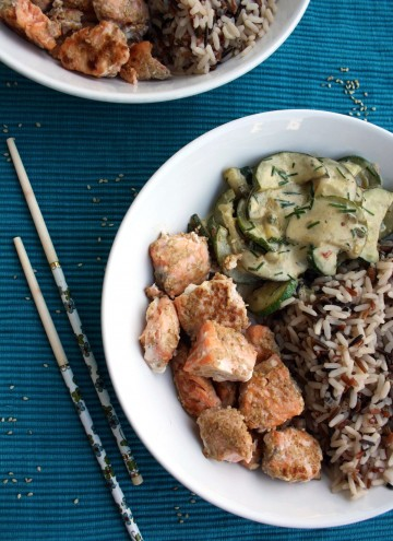 Salmon Fried in Sesame Seeds with Wild Rice and Creamy Zucchini: Easy to make and well-balanced 25 minutes Asian-style dinner. Low-carb, gluten-free, light