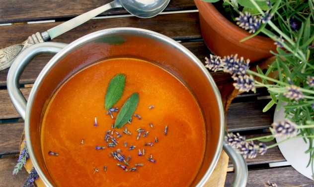 Try this aromatic and healthy tomato soup recipe. Lavender and sage give it an unforgettable flavor. Really delicious!