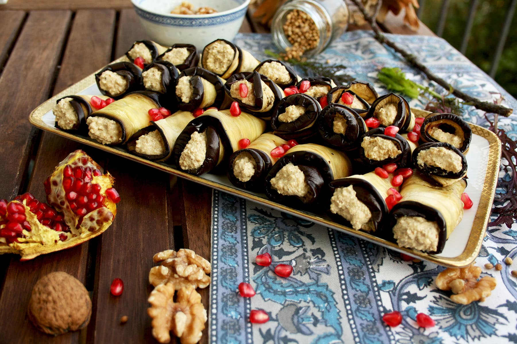 Georgian eggplant rolls with walnuts happy kitchencks easy and healthy vegan appetizer georgian eggplant rolls with walnut filling you only need forumfinder Gallery