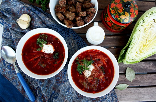 Borsch is a thick vegetable soup originally from Ukraine, with beet as the main ingredient, wholesome, flavorful, healthy and perfect for the cold season!