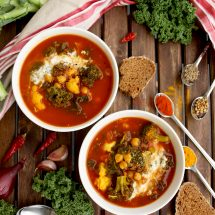 Vegan Cauliflower Stew with Broccoli, Chick Peas and Kale: Gluten-free, healthy, plant-based, easy and aromatic stew ready in just 30 minutes!