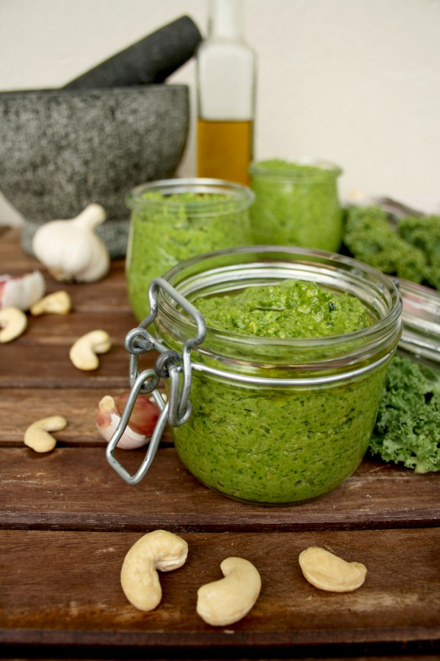 Vegan Kale Pesto with Cashew Nuts: 5 minutes healthy recipe! Serve it with pasta, bread, salads, soups, beans, roasted vegetables or anything else you like