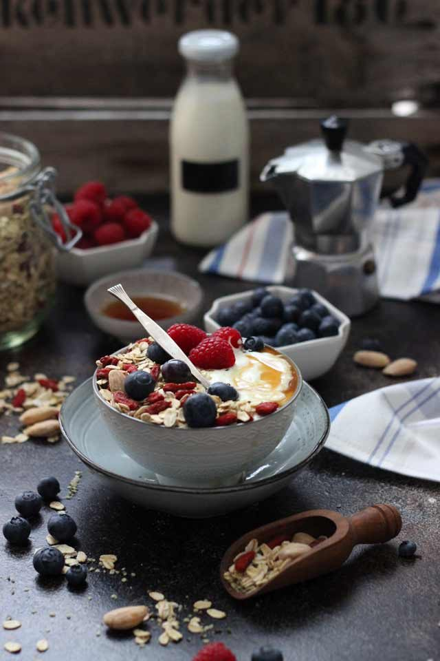 Muesli Recipe: A Healthy and Delicious Breakfast Idea - Muesli Breakfast Setup