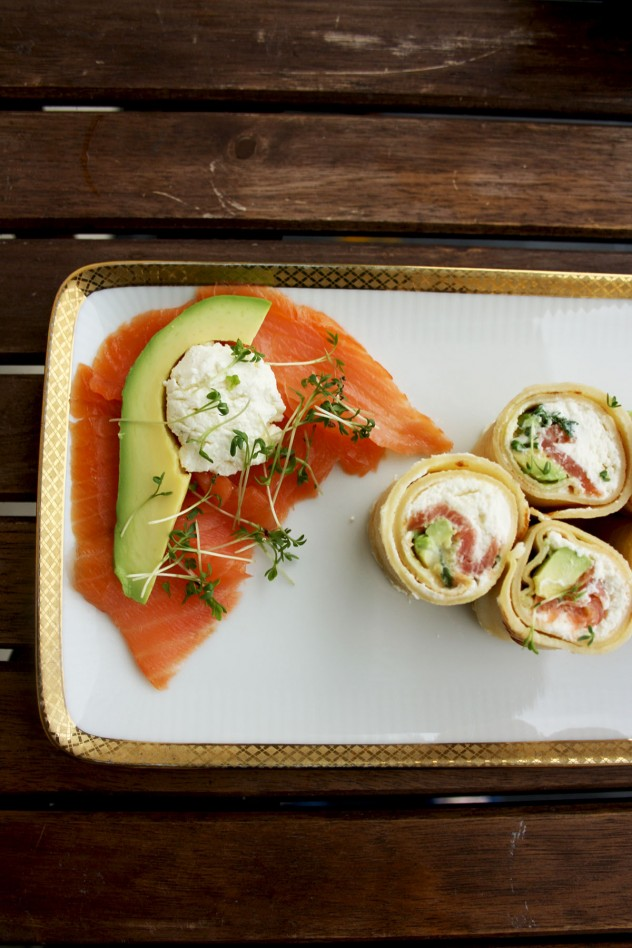 Pancake Sushi Rolls with Salmon and Avocado: An ultimate Russian - Japanese fusion food, perfect for breakfast, brunch or as an appetizer for a party