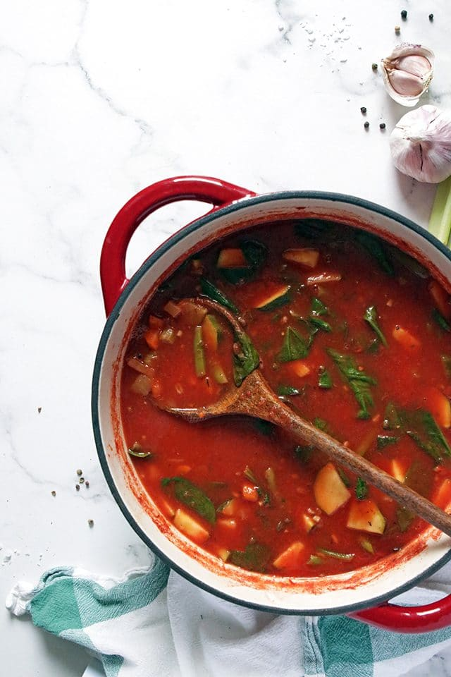 Vegan Minestrone Soup in a Pot