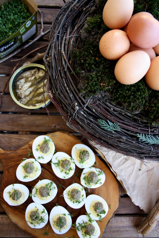 Russian Deviled Eggs with Sprats: An easy and delicious Russian recipe with only 4 ingredients with no mayo! My absolute favorite Easter deviled eggs.