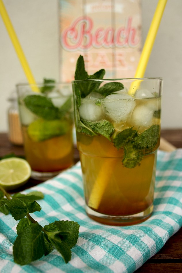 Easy to make non-alcoholic mojito: 5 minutes, 5 ingredients, 5 stars! Just combine lime wedges, caster sugar, mint, ice cubes and soda and enjoy!
