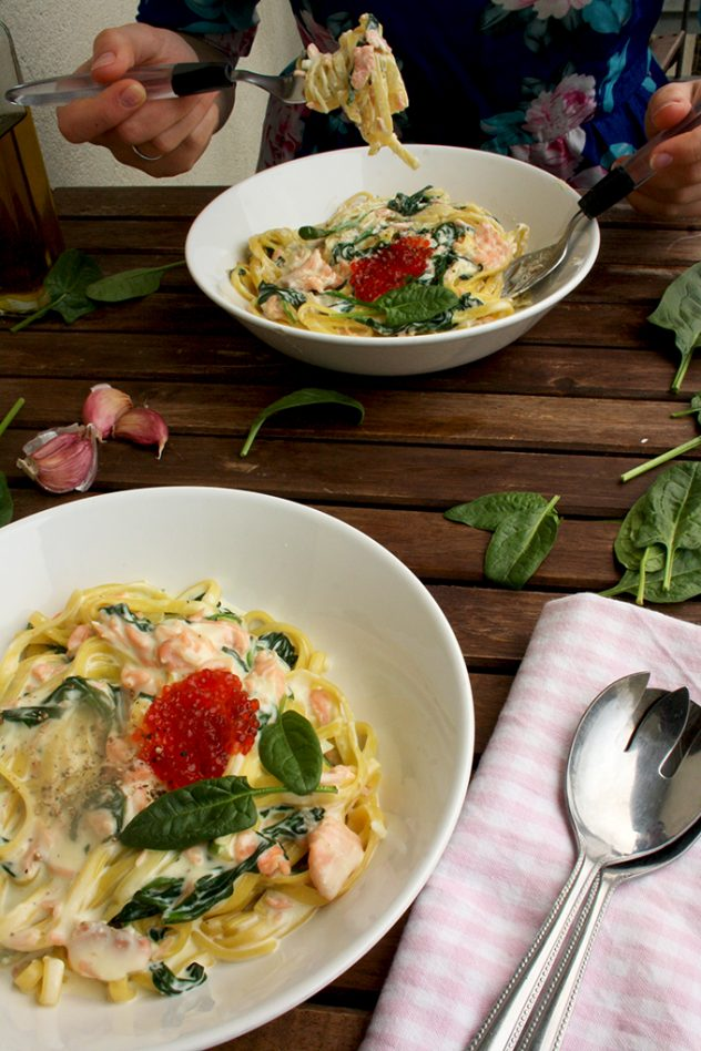 One-Pot Creamy Smoked Salmon Pasta with Spinach Topped with Caviar: Luscious, delicious, quick and easy mess-free dinner ready in 15 minutes!
