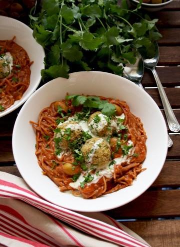 One Pot Spaghetti and Vegan Meatballs