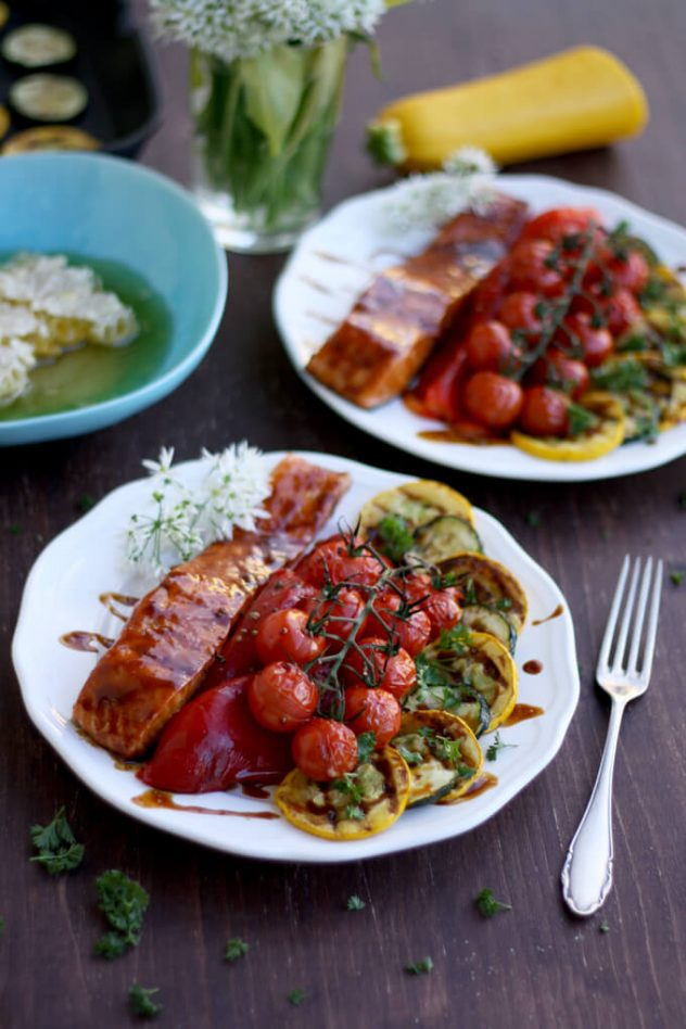 Easy Honey Glazed Salmon with roasted and grilled summer vegetables: Delicious and quick gluten-free weeknight dinner full of nutrients and summer flavors.