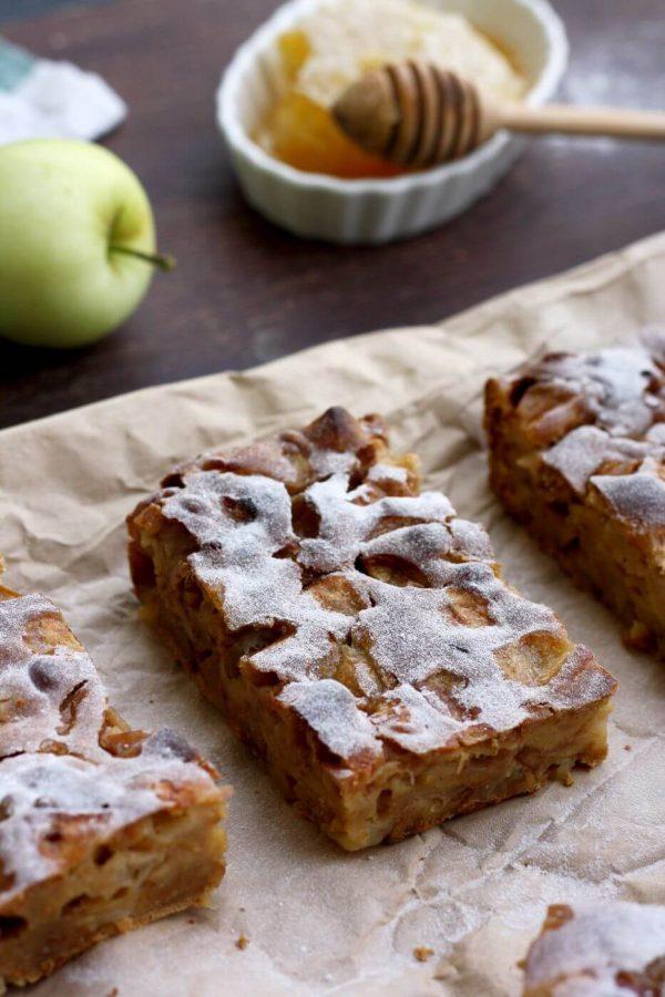 Sharlotka: Russian Apple Pie