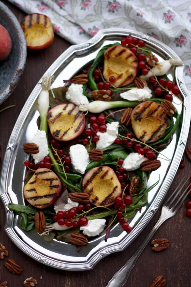 Summer-grilled-peach-salad-2
