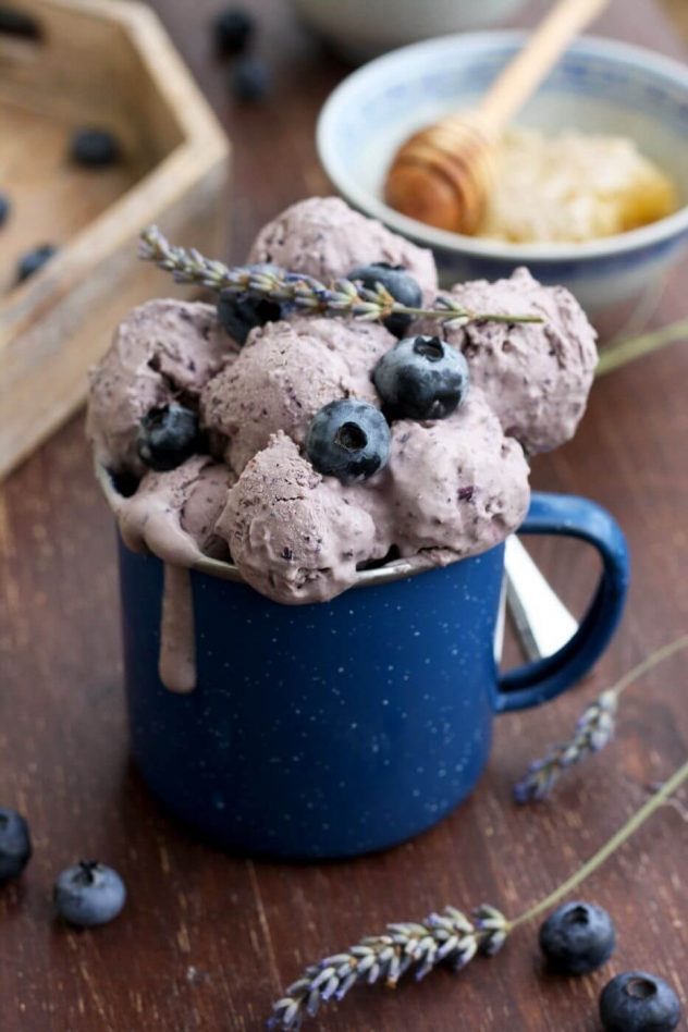 Easy sugar free blueberry cheesecake ice cream is a delicious dessert made from just 5 ingredients! This recipe can be used without an ice cream maker.