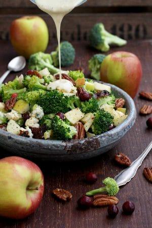 healthy-broccoli-salad-vegan-bacon-apples-blue-cheese-pecans-1