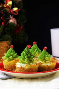 Christmas Tree Mini Quiches Served and Ready for Christmas