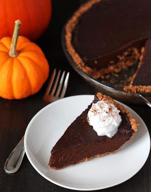Looking for a dessert that's a little different this holiday? Try this rich <strong>vegan chocolate pumpkin pie</strong> that's packed with chocolate and pumpkin flavours and will become a new, welcome addition to your holiday table.