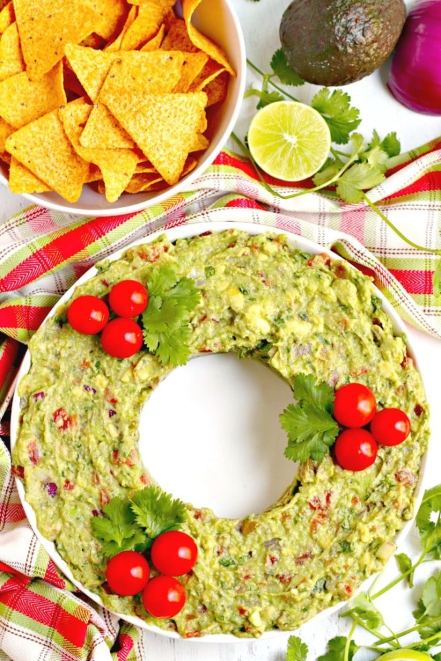 Guacamole Christmas Wreath Appetizer