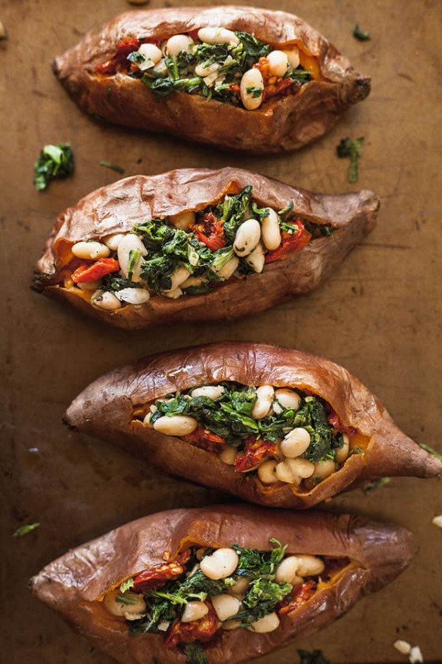 Vegan Stuffed Sweet Potatoes with Spinach and White Beans